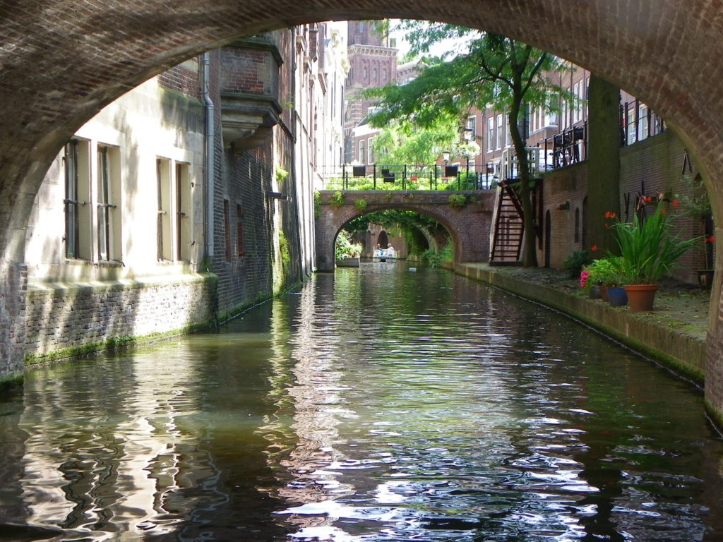 Under Nieuwegracht bridge 2